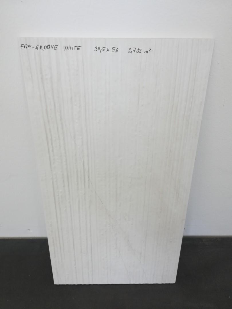 Obklad Groove White 30,5x56 RT/rettificato